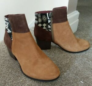 DESIGUAL Ladies ankle Boots 39/6 Brown Patches New