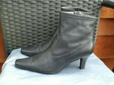 LADIES BLACK LEATHER ANKLE BOOTS BY CLARKS SIZE 6