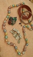 JEWELRY SET LOT VINTAGE NECKLACE 2 BROACHES 2 BRACELETS PASTELS PEWTER   1 B