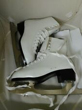 Ccm Finesse Women's Ladies White Ice Figure Skates Size 6 Girls Kids