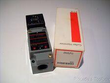 New Cutler-Hammer Reflex Photo Electric Sensor, E51CLP11