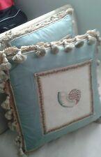 Decorative vintage thrown pillows - set of 2