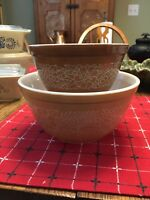 2 Vintage 1970's Pyrex USA Nesting Mixing Bowls WOODLAND tan & brown 401 & 402