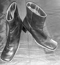 Vintage Ñine West womens black leather boots 8.5