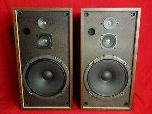 "JVC Vintage 18"" Wood home stereo Speakers S-44W"