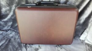 Vintage Style Briefcase Hard Shell Executive With Keys Brown