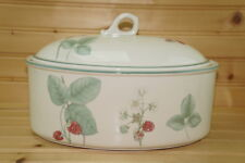 "Wedgwood Raspberry Cane Oval Covered Casserole Dish, 2 1/4 Qt-10½"" x 7"" x 4 1/8"""