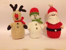 Noël Trio œuf confortable Knitting Pattern * NOUVEAU * (Santa, Rudolf et un bonhomme de neige)