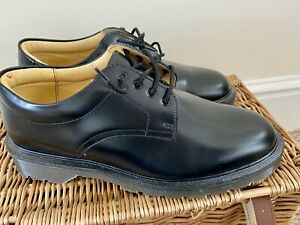 Solovair Black Leather Shoes Size UK 7 EU 41 Made in England NEW/BNWOB