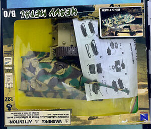 2010 New Ray Toys Company Heavy Metal King Tiger Die Cast Set Camouflage Tank