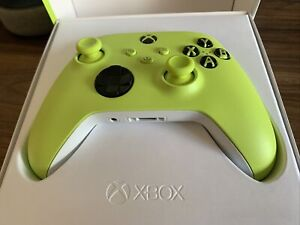 Brand NEW Xbox Wireless Controller - Series X - Electric Volt