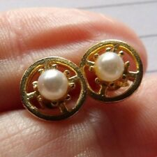STYLISH PAIR OF IMITATION PEARL GOLD PLATED CIRCLE STUD EARRINGS XL408A-12