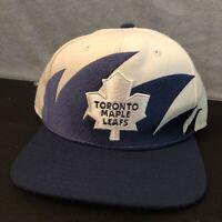 White Hockey Toronto Maple Leafs NHL Mitchell & Ness Snapback Hat. Sharktooth
