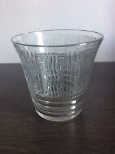 Vase en cristal soufflé translucide dégagé à l'acide signé Lorrain Art Déco