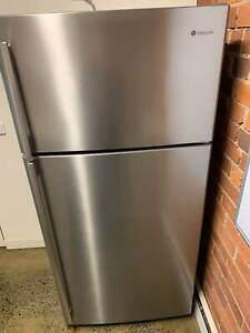 520L Top Mount Fridge - Westinghouse Stainless Steel