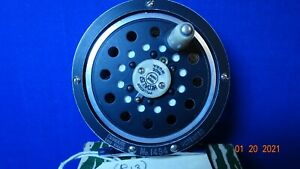 (R13)  Pflueger Medalist Fly Reel Model 1494  w box & papers  from 1950