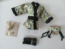 FASHION ROYALTY FAME & FORTUNE VANESSA KIMONO SET WITH STOCKINGS & JEWELRY