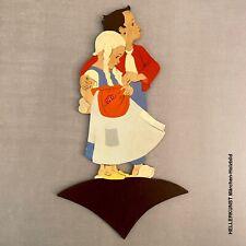 Vintage Märchen-Holzbild: 1950er Hellerkunst Figur mit Widmung 26cm SHABBY CHIC