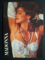 Lot de 12 cartes postales Madonna Parfait état