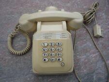 Telephone Vintage couleur ivoire, Socotel En Fonctionnement Années 09/1987