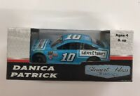 NEW, 1/64 ACTION 2017 FORD FUSION, #10, NATURE'S BAKERY, DANICA PATRICK(aa1)