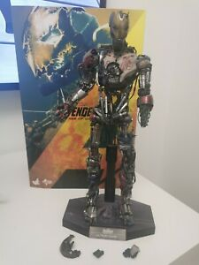 Avengers Hot toy  Ultron Mark 1 1/6th scale