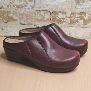 Dansko 39 Clogs Burgundy Mules Slip-on Shoes Leather