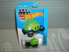 2014 HOTWHEELS ''HW CITY'' #81 = ANGRY BIRDS MINION PIG = GREEN  us