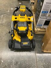 DEWALT FWD Self-Propelled 2 X 20V MAX Brushless Cordless Kit Lawn Mower - Yellow