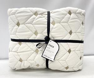 NEW Pottery Barn MODERN KIDS Coco Geometric TWIN Velvet Quilt~Ivory