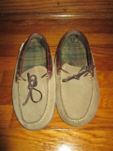 LL Bean Women's Slippers Moccasins Brown Leather Sz 9 Flannel Lined Gum Sole