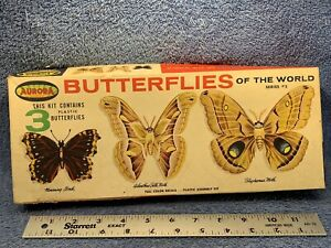Vintage AURORA  kit # 562 Butterflies of the World ~ plastic Model