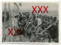 KREUZER KARLSRUHE - orig. Foto, 12,7x17,3 cm, Äquatortaufe,Linientaufe,Juli 1932