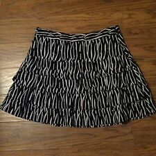 MUST SEE!!!  ANN TAYLOR LOFT BLACK & WHITE PLEATED SKIRT!! SIZE 8