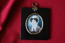 Miniatur Biedermeier um 1830 Portrait einer vornehmen Dame mit Spitzenhaube