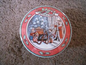VILLEROY & BOCH FOXWOOD TALES COVERED TRINKET BOX, 1994, BRIAN PATTERSON