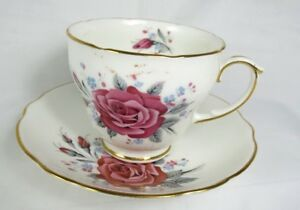 Duchess True Love Tea Coffee Cup Saucer Set Pink Red Roses Footed Gold Trim 625