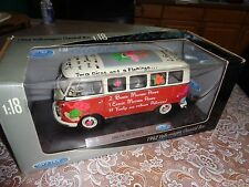 Welly 1962 Volkswagen Classic Bus 1:18 Diecast. Divas Chics Hippie Van. Red VW