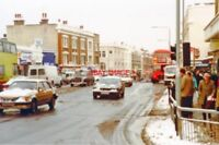PHOTO  LONDON 1991 PUTNEY NORTH VIEW DOWN HIGH STREET FROM UPPER RICHMOND ROAD A