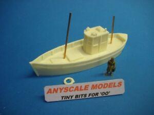 OO/4mm gauge model railway. Fishing boat 32ft Scottish MFV 0185