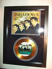 THE SHADOWS   SIGNED  GOLD CD  DISC  5577443