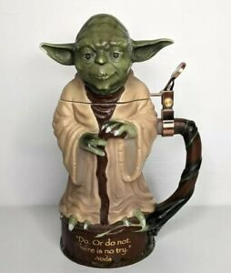 STAR WARS Yoda Jedi Master Heirloom Porcelain Stein Bradford Exchange - damaged