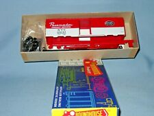 a 10 Roundhouse 2046 40' AAR Boxcar NYC 174701 Pacemaker Fruit Service