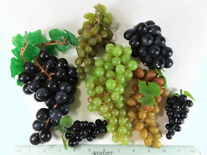 9 GRAPE BUNCHES, 5 GREEN, 4 DARK