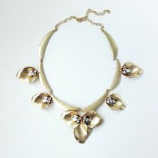 STELLA AND DOT Dannika Floral Necklace