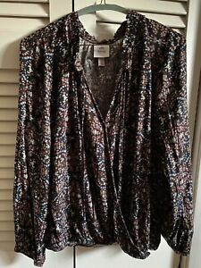 Knox Rose women's multi-colored, long-sleeve  blouse. size L