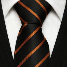 Corbatas, pajaritas y pañuelos de hombre a rayas de seda