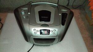 UNIVERSUM CTR CD 10951 tragbarer Stereo Radio CD KassettenrecorderAM/FM