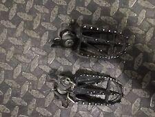 2004 HONDA CRF 450 FOOT PEGS  (B) 04 CRF450