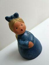Singer Engel Mädchen als Glocke 10,5 cm blau